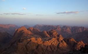 1024px-Mount_Sinai_BW_2crop