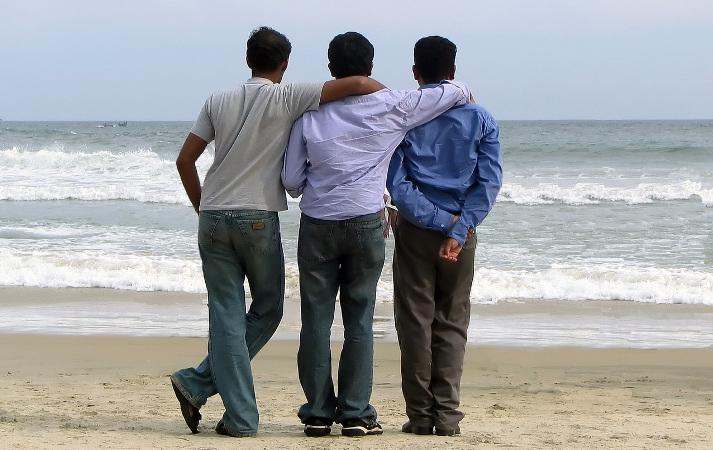 men-friendship-2-1436724-1280x960crop