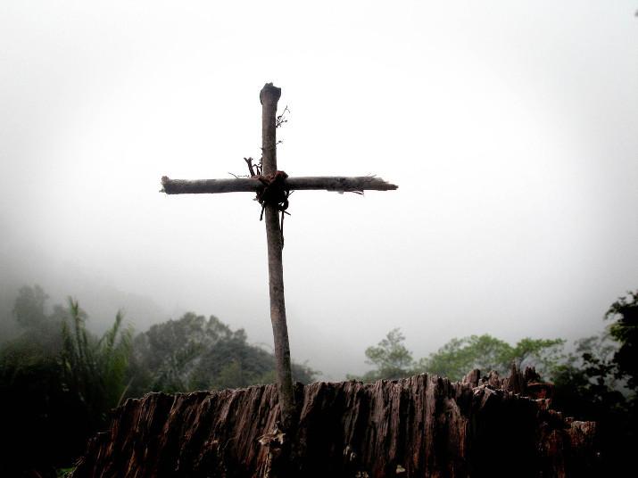 the-wooden-cross-1574402-1280x960crop